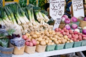 Farmers markets 300x199 Farmers' Markets Growing in Popularity
